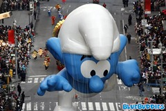 Smurf float in Macys Thanksgiving Day Parade
